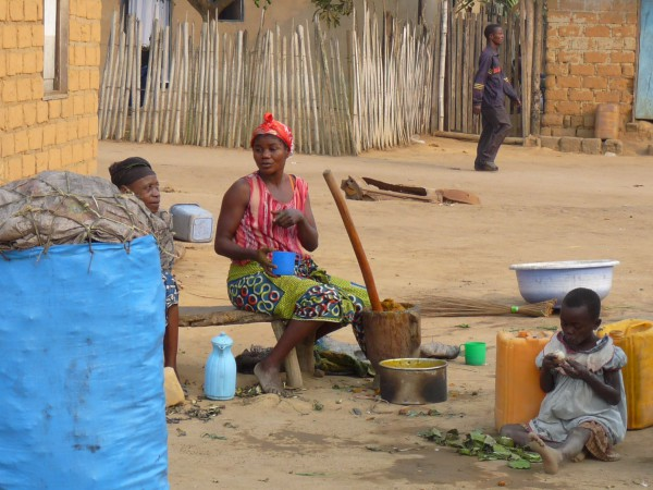 10 Inhabitants of the Manzadi village