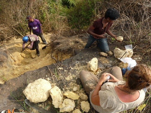 18 Local workers digging of an outcrop in Bololo, and Nancy Stevens (Ohio Univ.) and Nicole Kitambala Yaya (CRGM) sampling for microfossils