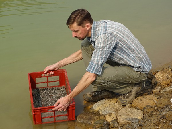 10 Thierry Smith screen-washes the sediment to find microvertebrate remains