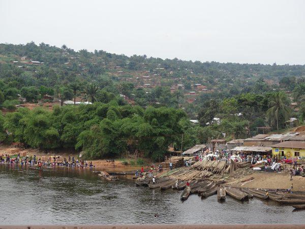 02 Arrival at Kikwit by N1 road, 400 km east of Kinshasa