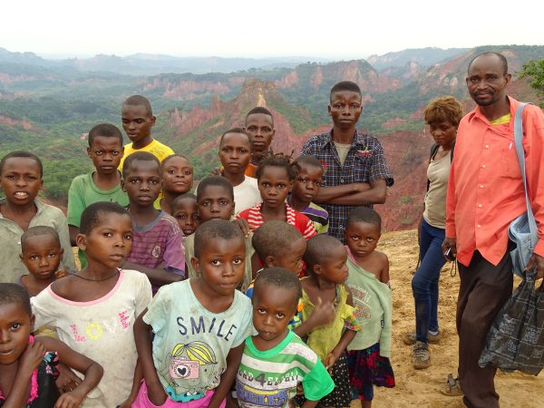 11 The Lukwila children bring us to the canyon